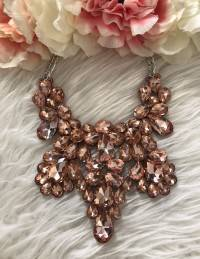 """Mon new collier """"so pink"""""""
