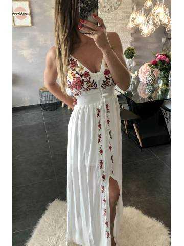 "Ma superbe robe longue blanche ""brodée"""