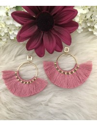 Mes boucles d'oreilles créoles et pompon rose blush