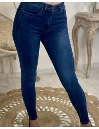 """Mon jeans """"brut et taille moyenne"""""""