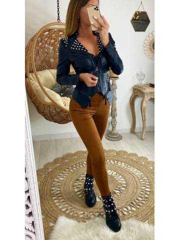 """Ma jolie veste style cuir """"épaules et col cloutés"""""""