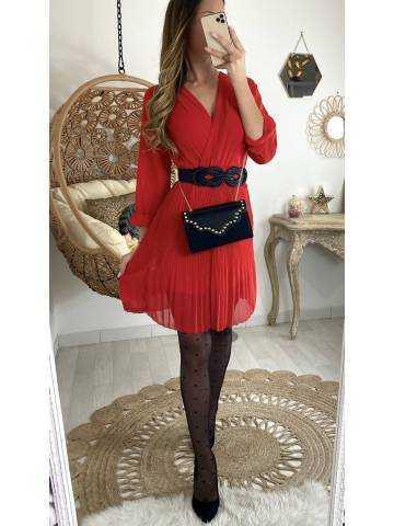 """Ma jolie robe rouge """"cache cœur et plissée"""""""