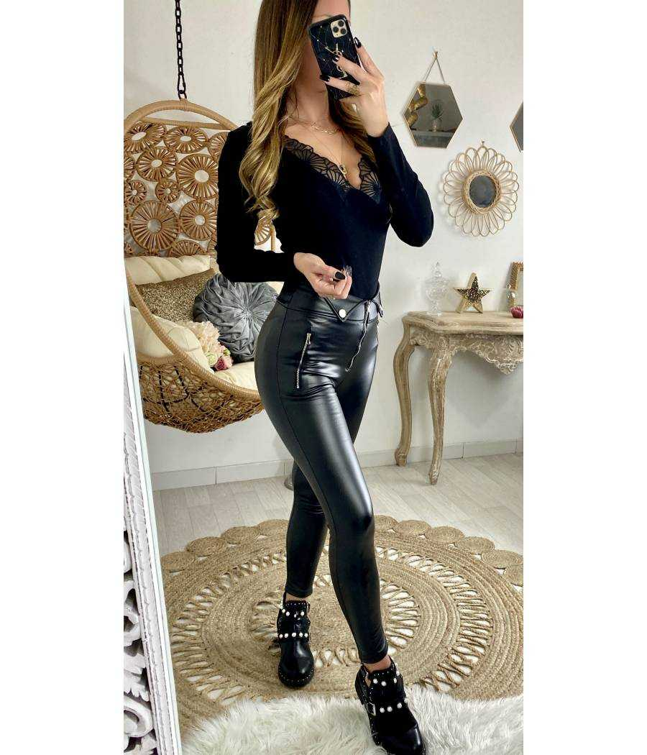 Mon pantalon black style cuir zippé