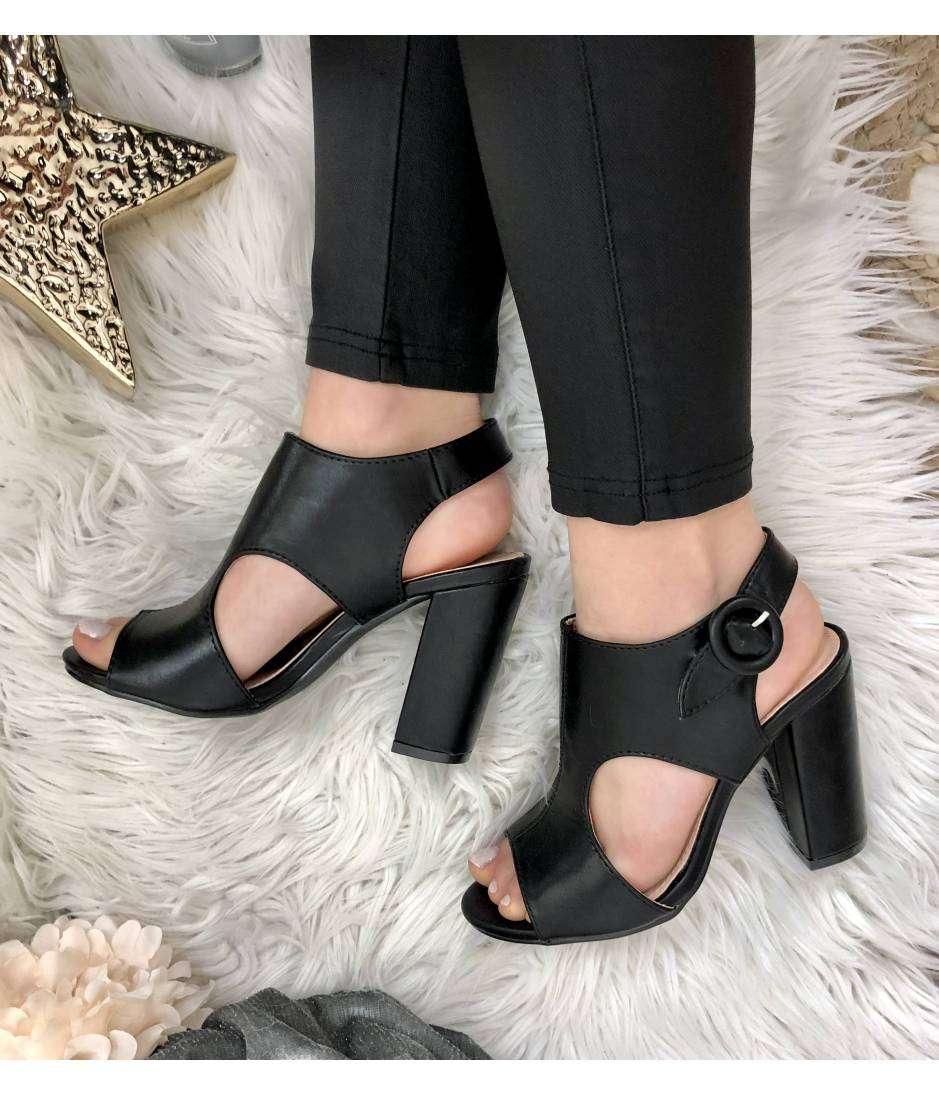"""Sandales à talon """"black ajourées"""""""