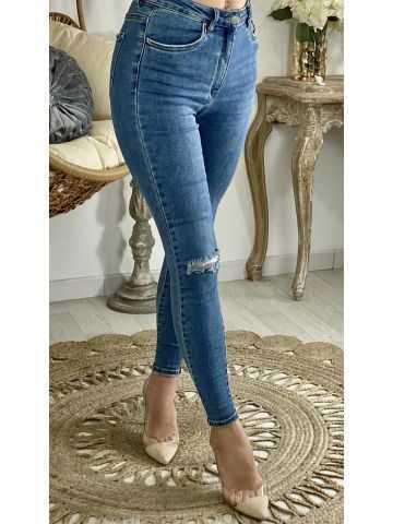 """Mon jeans slim bleu """"genoux déchirés"""""""