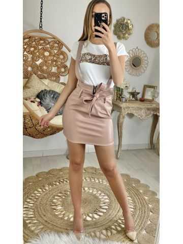 Ma jupe à bretelle rose style cuir