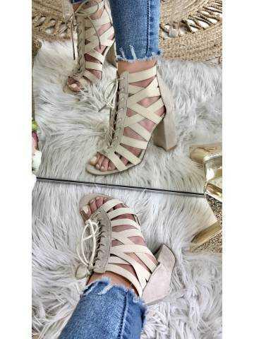 """Mes sandales à talon beige """"corset"""""""