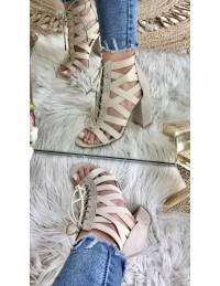 """Mes sandales à talons beiges """"corset"""""""