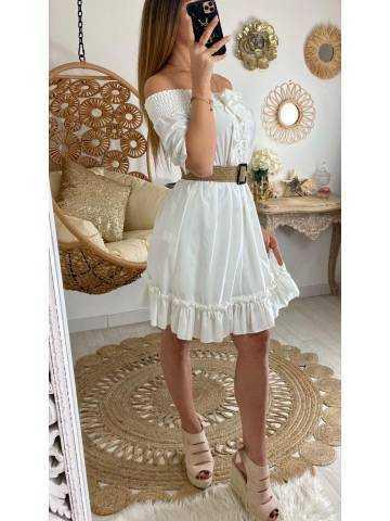 """Ma jolie robe blanche """"col élastique et dentelle"""""""