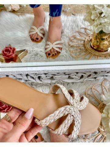 Mes jolies sandales beige tressées