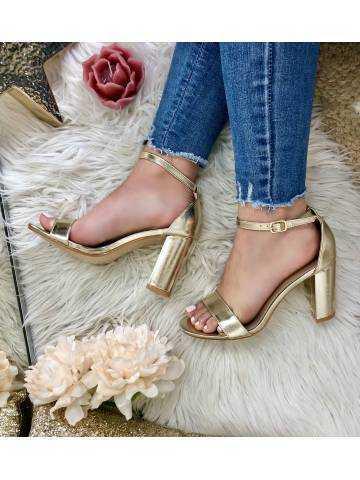 Mes sandales à talons gold