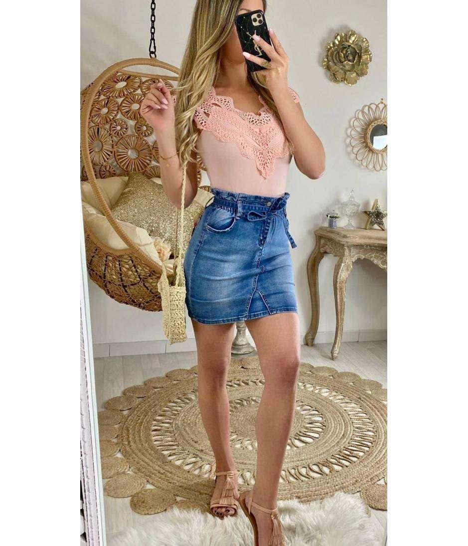 Ma jolie jupe en jeans ceinturée