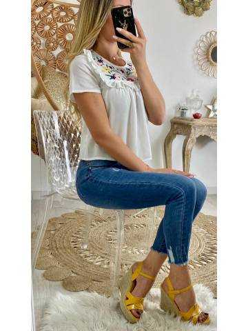 """Ma Blouse blanche """"jolies broderies"""""""