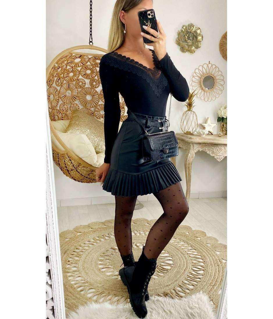 """Ma jolie jupe black """"style cuir et plissée """""""