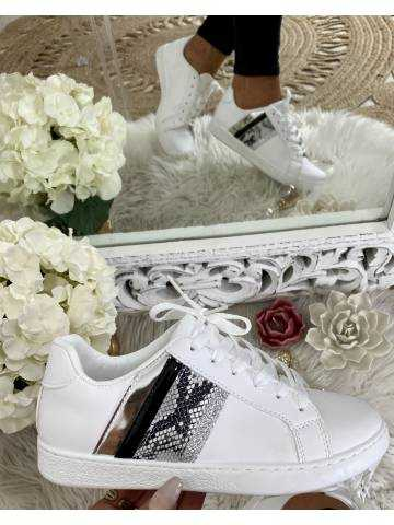 mes jolies sneakers blanches bandes black/metal