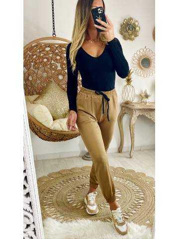 Mon pantalon style jogging camel