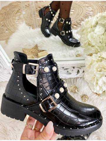 """Mes boots noires ajourées style croco  """"jolies perles"""""""