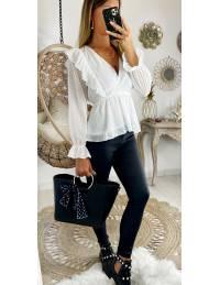 Ma jolie blouse blanche  buste brodé et plumetis