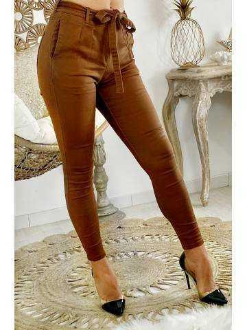 """Mon jeans camel """"ceinturé""""'"""