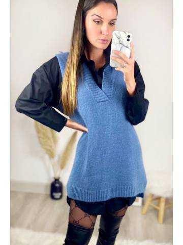 Mon pull  bleu sans manches col V tout doux