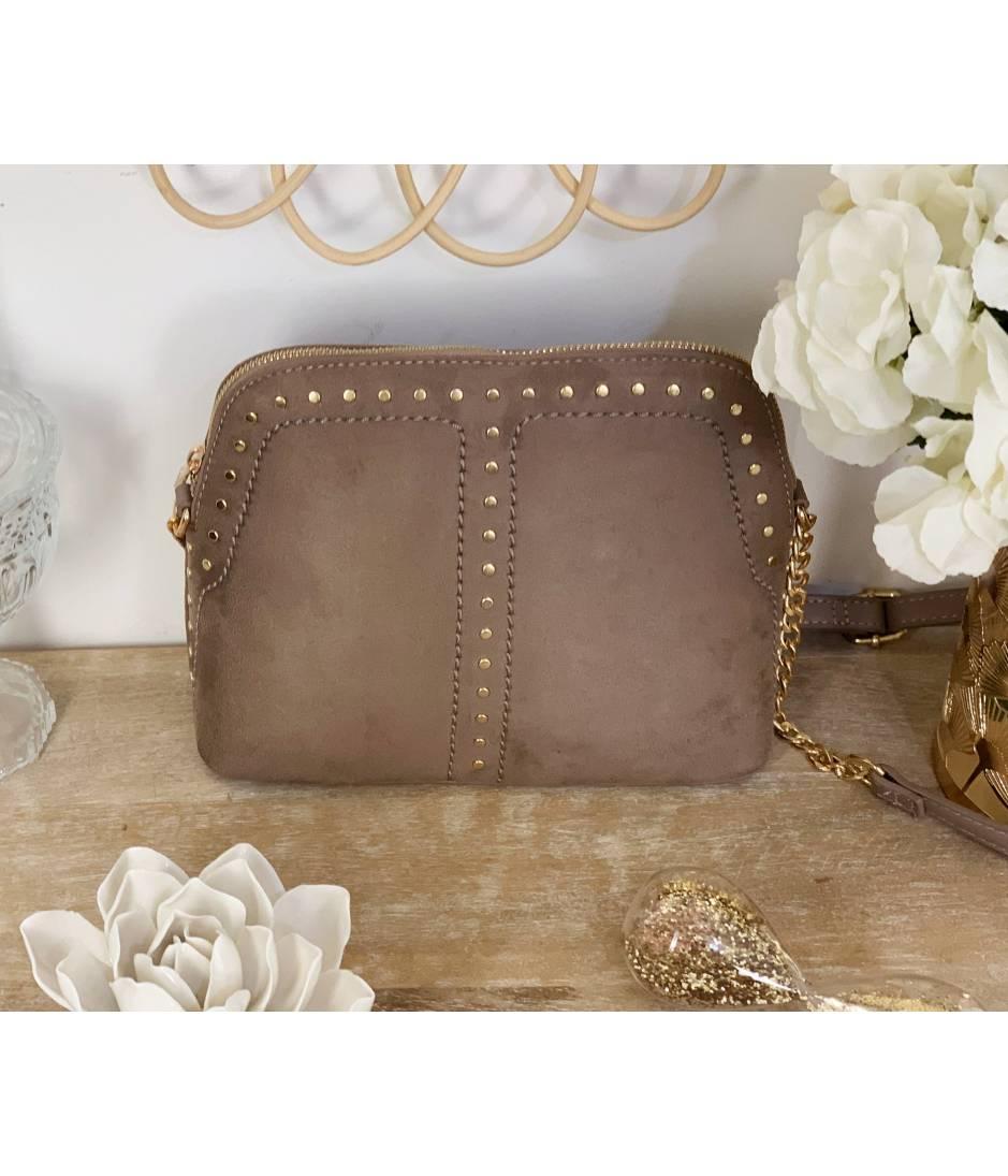 Petit sac style daim taupe & nails gold