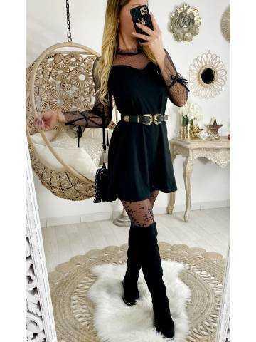 Ma jolie robe noire et buste plumetis