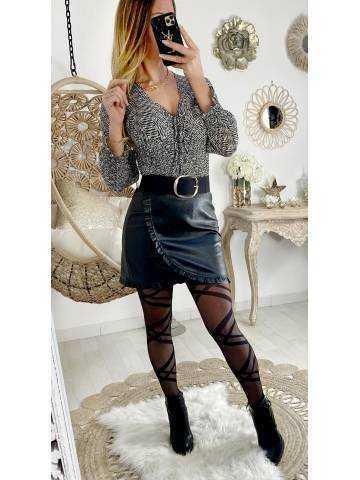 Ma jupe noire style cuir et volant