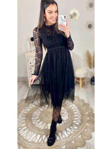 """Ma superbe robe noire """"Tulle & dentelle"""""""