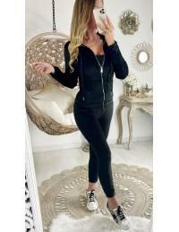 Mon ensemble jogging noir style velours