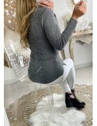 Mon joli pull gris foncé et dos fantaisie