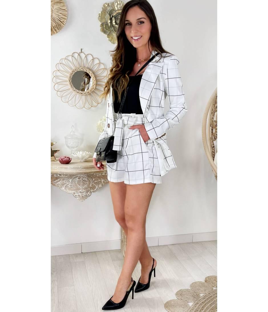 Mon joli blazer blanc et carreaux noirs