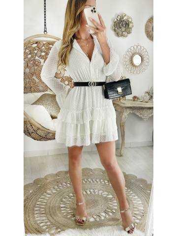 Ma robe blanche boutonnée plumetis et sa ceinture