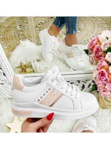 """Mes jolies baskets blanches et roses """"jolis clous"""""""
