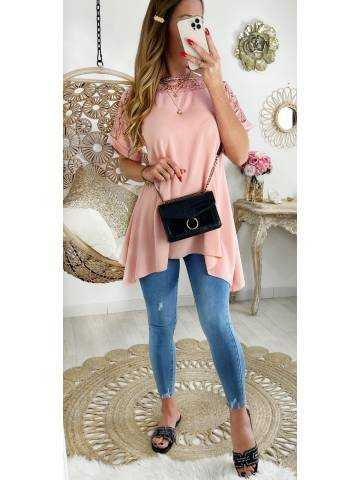 """Ma superbe robe ample rose pale """"jolies broderies"""""""
