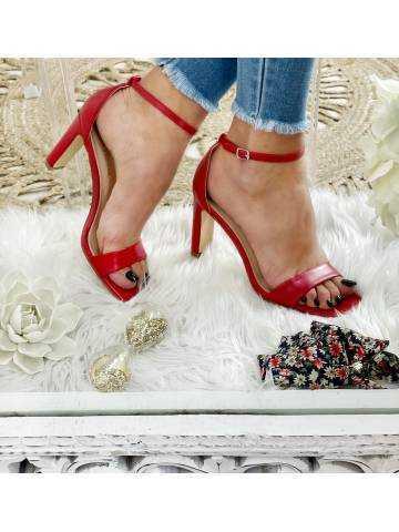 Mes jolies sandales rouge à talons