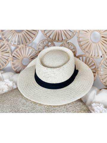 Mon joli chapeau de paille beige