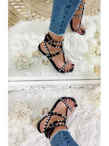 Mes petites sandales black cloutées