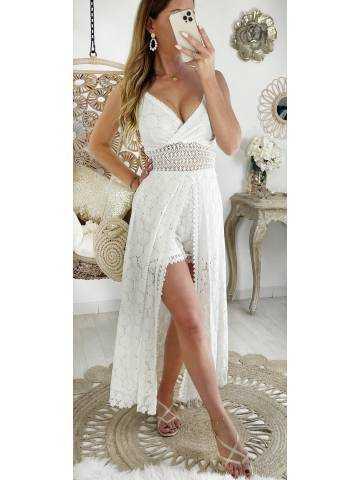 "Ma robe longue blanche et son short ""so dentelle"""
