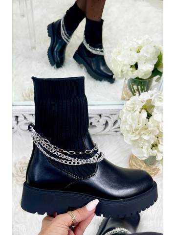"""Mes bottines black """"chausettes et chaînettes"""""""